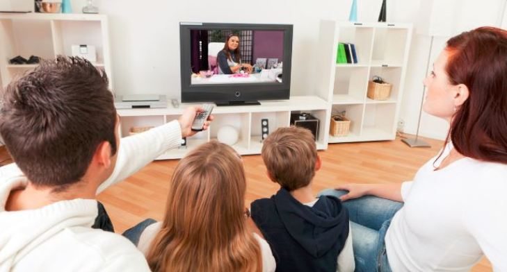 US television ad bookings dropped by 6% in Q1 with overall TV ad spend down 4%
